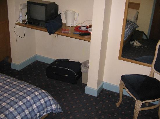 Hotel Montana Excel: room2