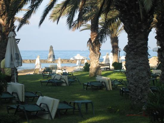 Constantinou Bros Asimina Suites Hotel : View from sunbed area