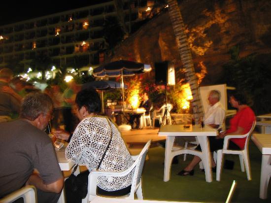 Punta del Rey : dancing at the restaurant