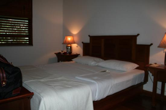 Belmond Governor's Residence: Our bed