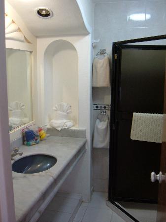 Hotel Sands Las Arenas: bathroom