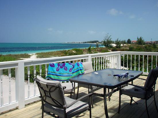 Aquamarine Beach Houses: Looking towards Coral Gardens