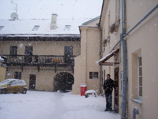 Bernardinu Guest House: The Courtyard