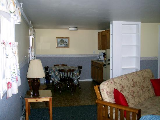 Wilson Lake Inn: living area and kitchen