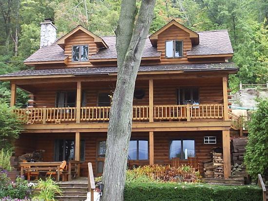 Trout House Village Resort: seneca retreat
