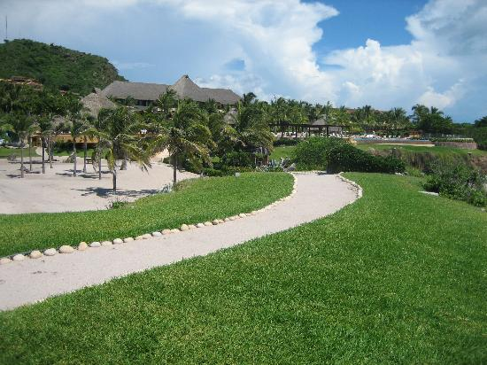 Four Seasons Resort Punta Mita: View of the hotel from the Rock