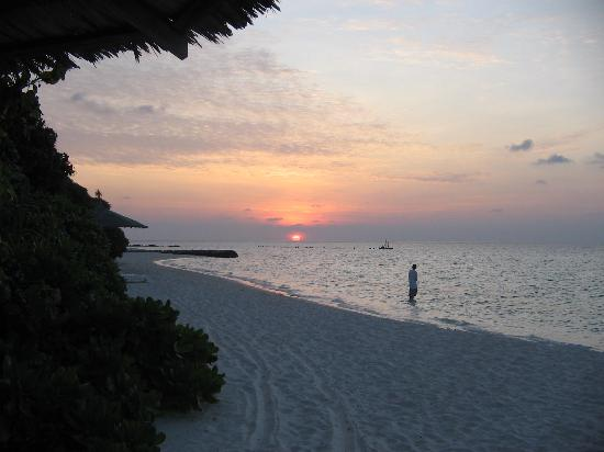 Lily Beach Resort & Spa: Sunset