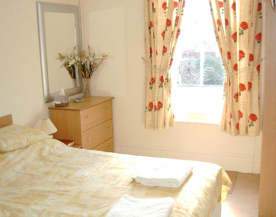 The Malvern Guest House & Blues Grill: room 2