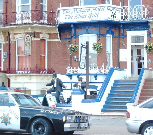The Malvern Guest House & Blues Grill: family run guest house and blues brothers theamed restaurant