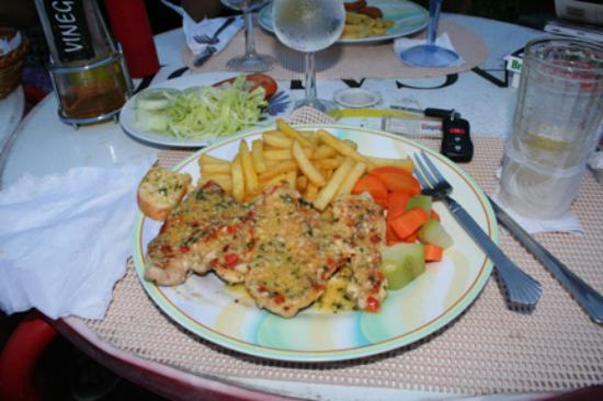 San Carlos, Panamá: meal at Bayview's restaurant