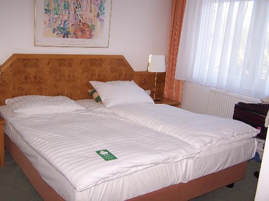 Hotel Hafen Hamburg: Bedroom