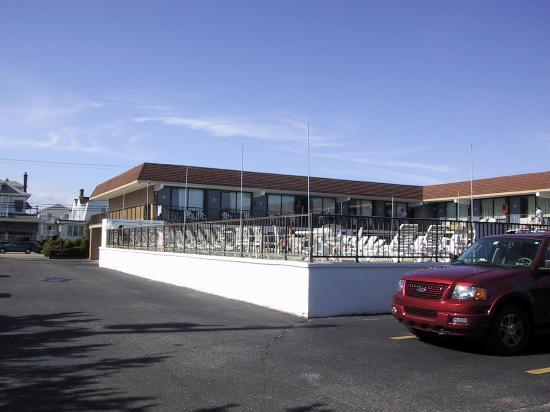 Harris House Motel: 9ft deep pool