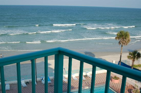 Fountain Beach Resort: This picture taken from our balcony looking over the pool and directly to the ocean. Ahh...