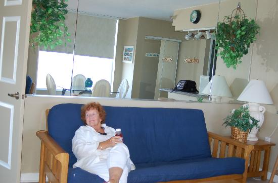 Fountain Beach Resort: Brought my mom and she loved it! Stayed in rm. 501 and loved it!