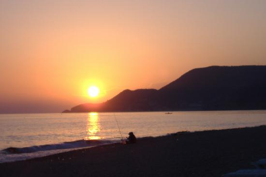 Mola Hotel: Sunset - Kleopatra Beach