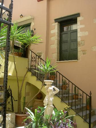 Casa Leone Boutique Hotel: A view of the entrance