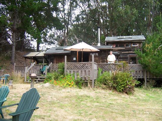 Howard Creek Ranch: A redwood trailer house! (Stay here!)