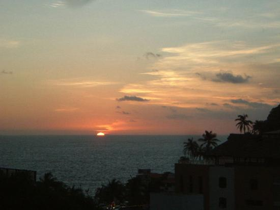 Etel Suites: Sunset from balcony