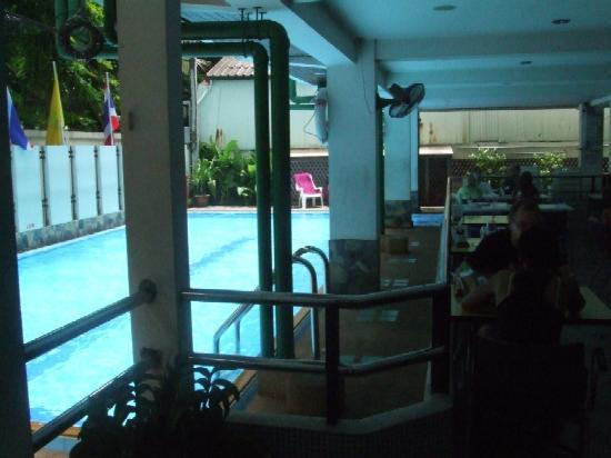 New Siam Guest House II: New Siam II Pool + Restuarant
