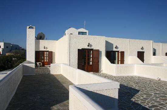 Santorini Palace: Our long balcony