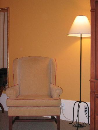 LHotel: Nice chair--nice wood furnishings too