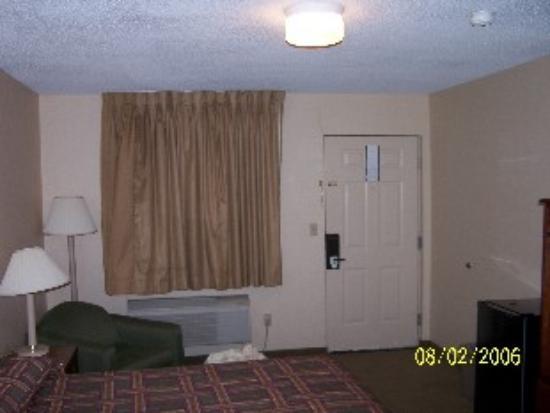 Americas Best Value Inn Torrington, CT Photo