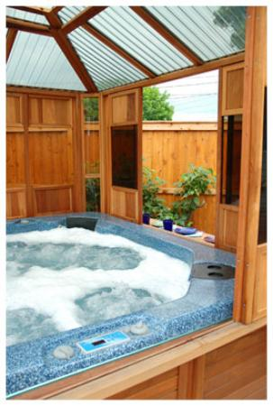 Private jacuzzi at Cricket House