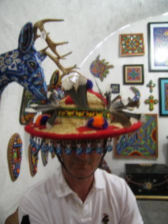 Hotel Dos Casas: choosing a hat
