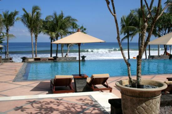 The Legian Bali: main pool from the restaurant