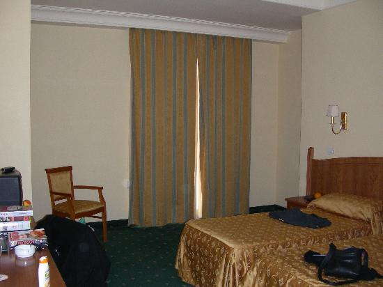 Grand Hotel Parco Del Sole: Our room, plenty of space!