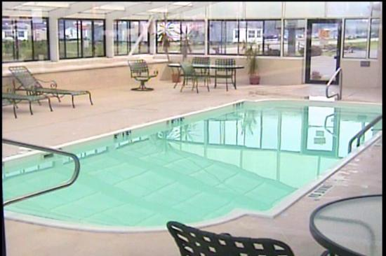 ‪‪Grayson‬, ‪Kentucky‬: The pool area (imaged from my camcorder)‬
