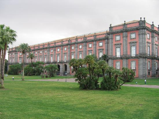 Museo e Gallerie Nazionali di Capodimonte: Capodimonte Palace now home to one of Napoli's most famous museums