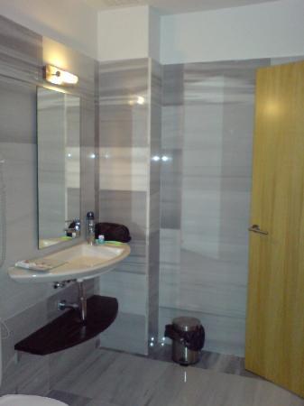 Hotel Platja Gran: Bathroom Sink
