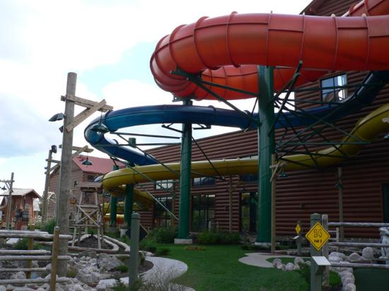 Great Wolf Lodge : Mini Putt and Outdoor Tubes