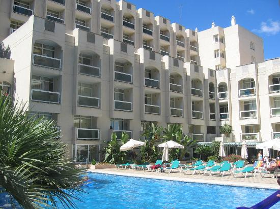MS Aguamarina Apartments: hotel and poolarea