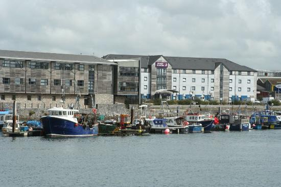 Premier Inn Plymouth City Centre (Sutton Harbour) Hotel: Premier Inn from the Barbican