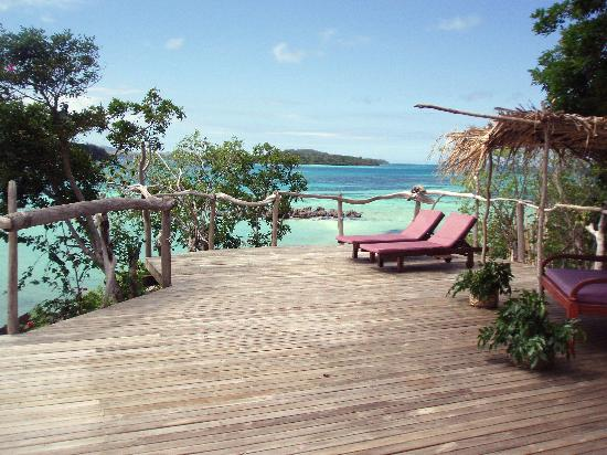 Navutu Stars Fiji Hotel & Resort: Bure #1 Deck and view