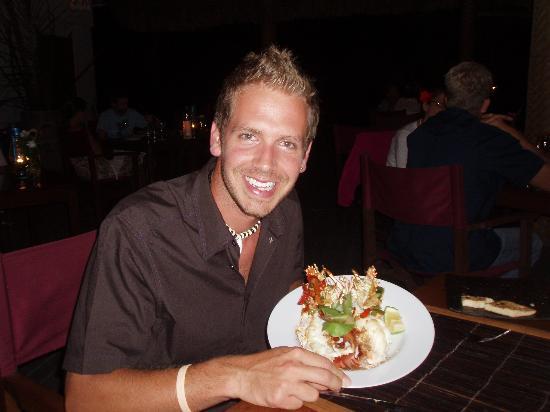 Navutu Stars Fiji Hotel & Resort: Won't go hungry! Lobster main