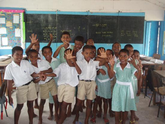 Navutu Stars Fiji Hotel & Resort: Yaqeta school visit - a must!