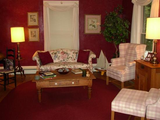 Beechwood Manor Inn & Cottage: Sitting Room