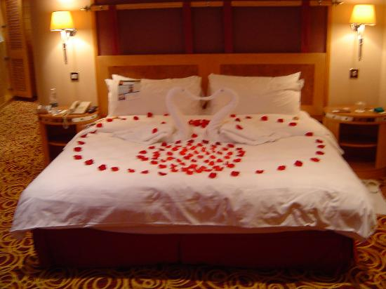 Jumeirah Beach Hotel: our room on arrival...
