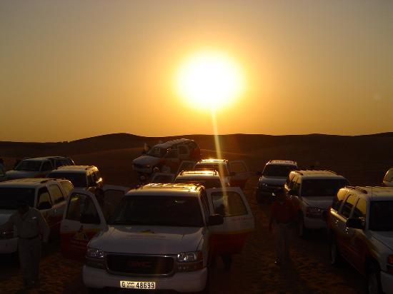 Jumeirah Beach Hotel: sundowner trip