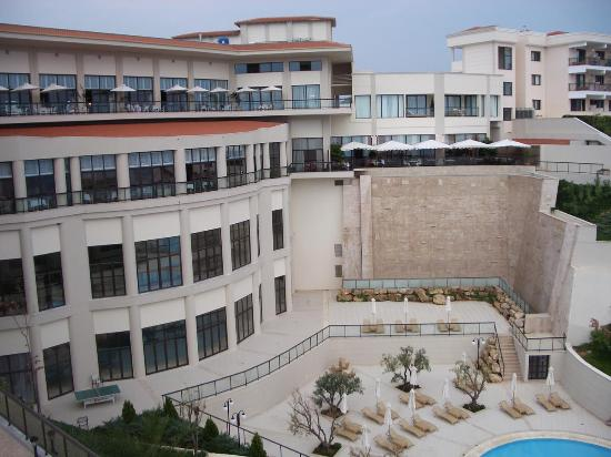 Ikos Oceania: View of the main hotel building