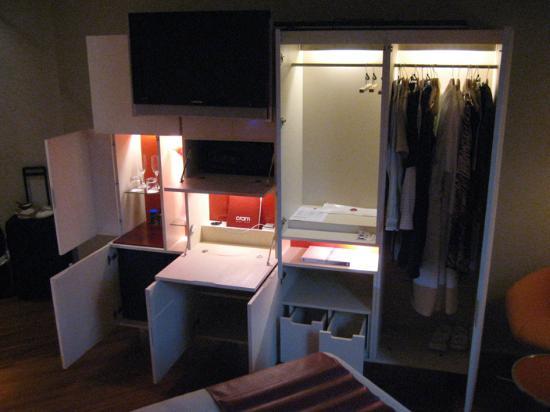 Hotel Cram: Wardrobe Storage Unit (open)