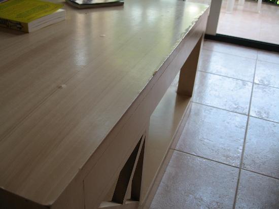 Zafiro Menorca: more decaying furniture