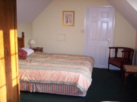 Ditton Lodge Hotel: Double bed