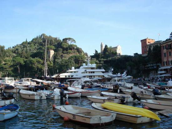Hotel Jolanda: Even the boats are crowded