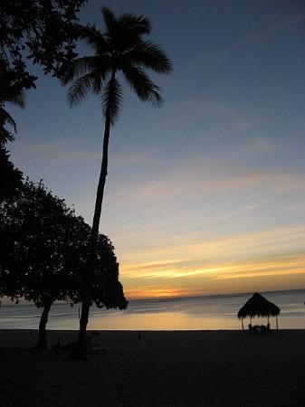 Vatulele Island Resort: Vatulele Sunset