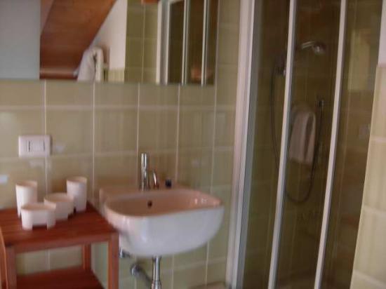 All'Opera Prima: Bathroom