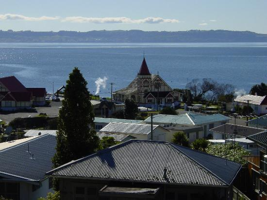 Rotorua, Nieuw-Zeeland: St. Faith's Church at Ohinemutu Village, where Jesus walks on water.